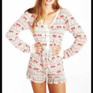WILDFOX THERMAL ROMPER PAJAMAS ~ S ~ADORABLE STYLE